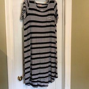 Gibson & Latimer 2x casual t-shirt high/low dress